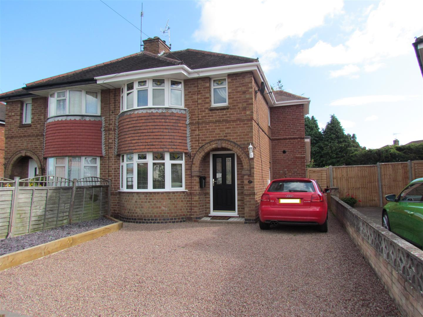 3 Bedrooms Semi Detached House for sale in Bloomfield Road, Worcester
